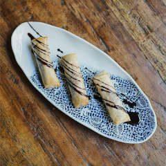 rollitos de plátano con chocolate